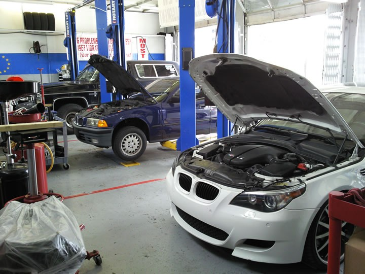Bmw repair by fangio 39 s car clinic in coral gables fl for Mercedes benz of coral gables service department