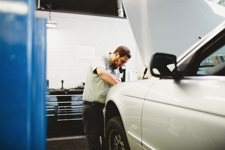 Lucas Puetz working on a 5 Series