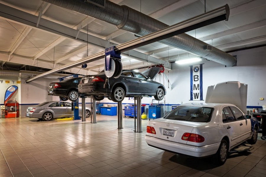 mercedes benz repair by das european autohaus in spring On mercedes benz mechanic shop