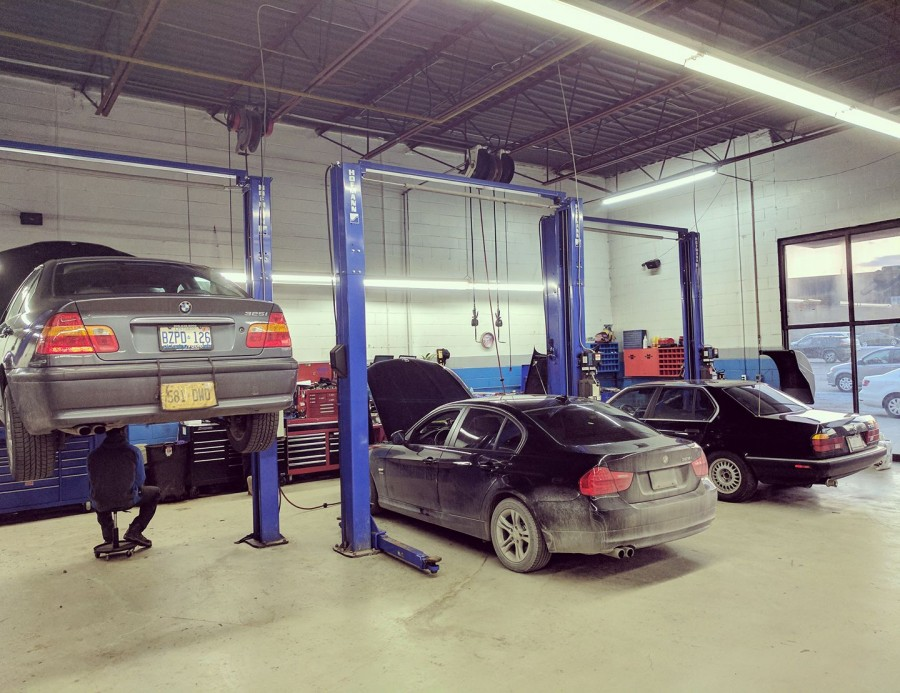 Auto shops open on sunday