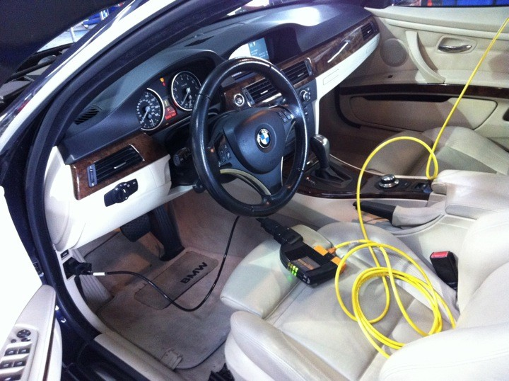 Performing diagnostics on s 2008 BMW 328Ci.