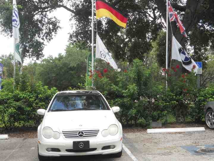 Mercedes benz repair by european autohaus in tampa fl for Mercedes benz hours of operation