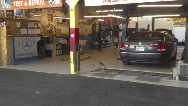Mercedes benz repair by rafi autotech in culver city ca for Certified mercedes benz mechanic near me