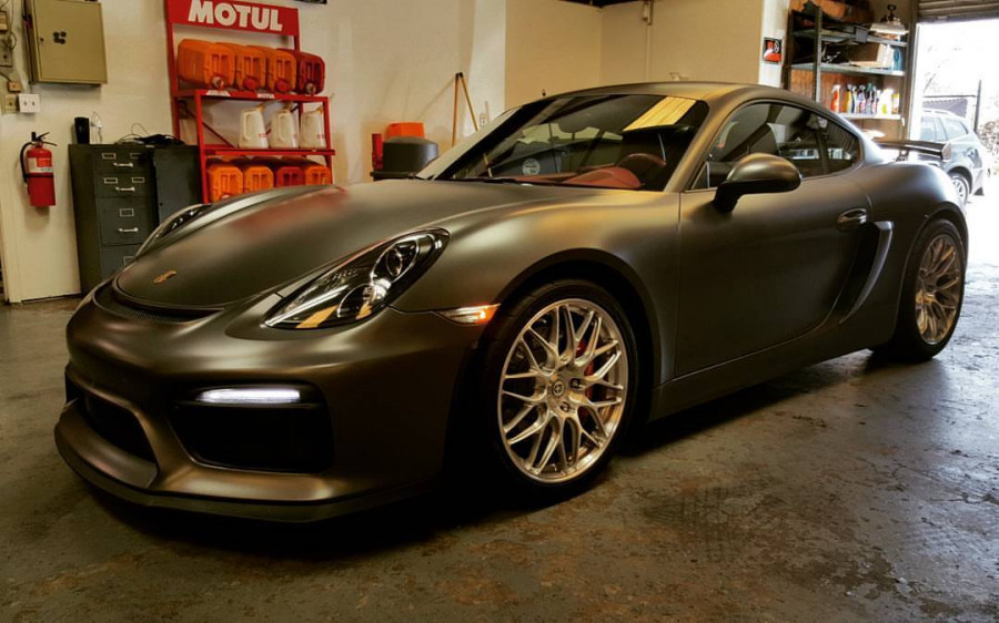 2014 Porsche Cayman S 987 in for coding.