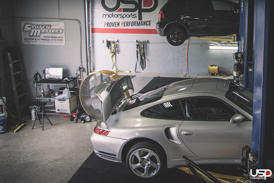Spotless working area to maintain the cleanliness of your vehicle!